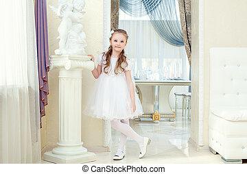 pequeno, vestido, elegante, posar, menina, adorável