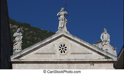 Perast, Stone sculptures, 4 clips