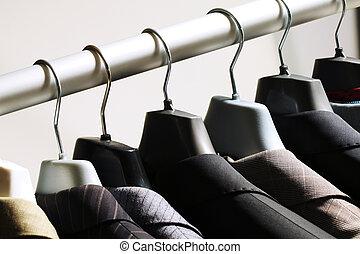 perchas, chaquetas