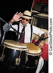 percussionist, kubanka, czarnoskóry, odizolowany