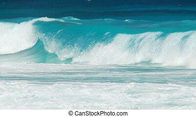 perfect waves part II - perfect witecaps in slow motion part...
