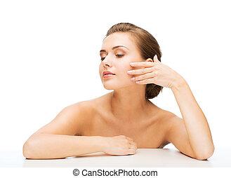 perfecte huid, vrouw, schoonmaken, gezicht