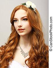 perfection., szczęśliwy, złoty, włosy, kobieta, z, flower., kobiecość, &, zmysłowość