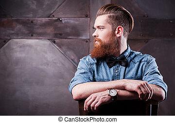 perfecto, perfil, barbudo, el suyo, sentado, lejos, el mirar joven, confiado, silla, guapo, style., hombre
