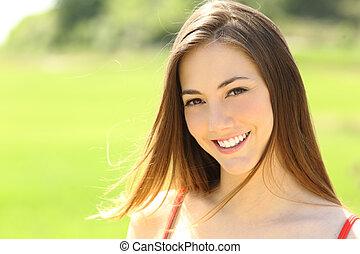 perfeitos, mulher olha, dentes, sorrizo, tu