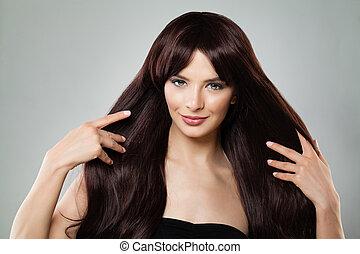 perfekt, brauner, frau, natürliche schönheit, sie, gesunde, langer, berühren, haar