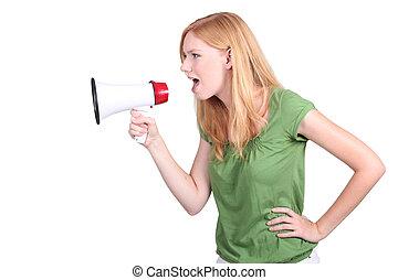 perfil, mujer, joven, gritos, megáfono, vista