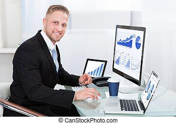 performance, homme affaires, bon, graphique