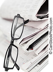 periódicos, negro, anteojos