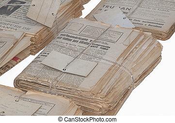 periódicos, viejo, empacado