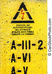 pericolo, alta tensione, segno giallo