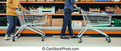 period., άντραs , ψώνια , καραντίνα , υπεραγορά , αραμπάς , γυναίκα , κατά την διάρκεια
