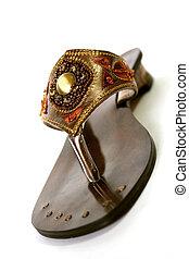 perlé, sandale