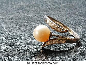 perle, ring