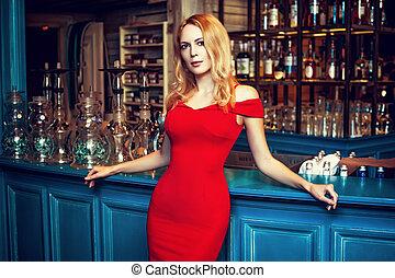 permanecer, moda, barzinhos, hookah, loura, deslumbrante, menina, vestido, vermelho