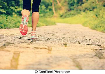 pernas, andar, mulher, jovem, condicão física