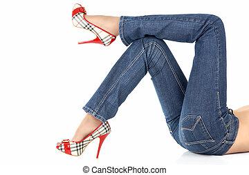 pernas, calças brim, mentindo, femininas