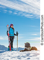 perro, en las montañas, en, el, nieve, con, amante, en, esquí alpino