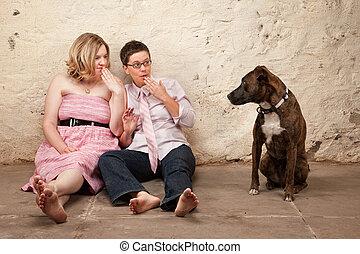 perro, sorprendido, mujeres