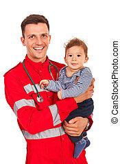 person med paramedicinsk utbildning, räcka baby, pojke