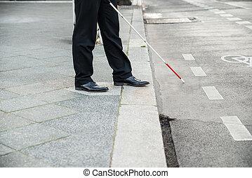 persona ciega, calle, cruce