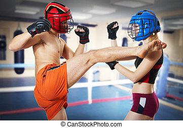 persona, entrenamiento, dos, anillo, kickboxing