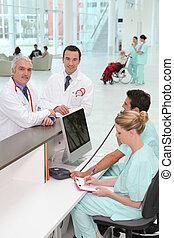 personal, en, hospital, recepción