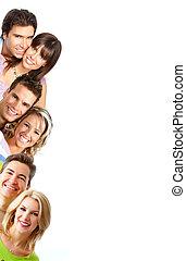 personas sonrientes