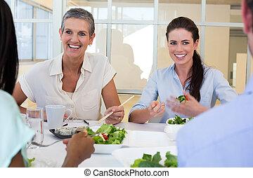 persone affari, godere, pranzo sano