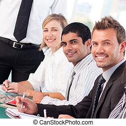 persone affari, in, uno, riunione