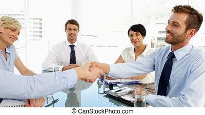 persone affari, stringere mano, a, uno