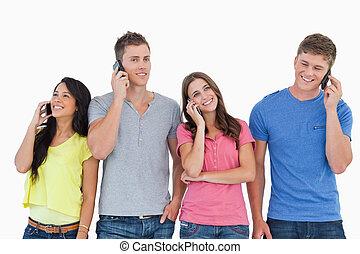 persone, loro, accanto, stare in piedi, essi, telefonare, altro, quattro, tutto, ciascuno