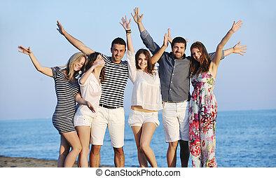 persone, spiaggia, gruppo, felice, divertimento, possedere, giovane