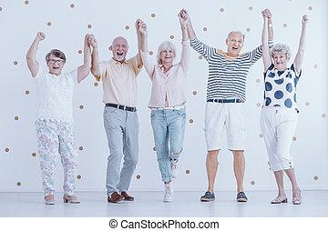 persone, vigilia, anziano, anno, mentre, nuovo, divertimento, festa, sorridente, godere, detenere
