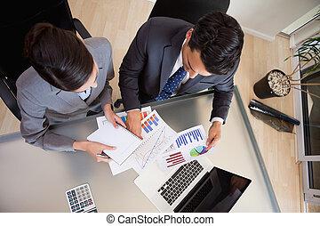 personen, statistiek, geconcentreerde, omzet, studerend