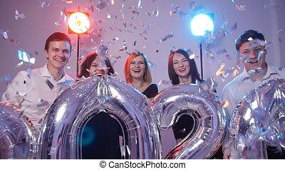 personengruppe, concept., jahr, zahl, neu , junger, heiter, 2020, besitz, luftballone, konfetti, geduscht