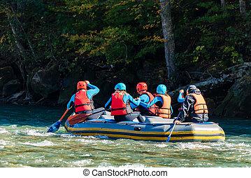 personengruppe, junger, wasser, gehen, weißes, wildwasserrafting
