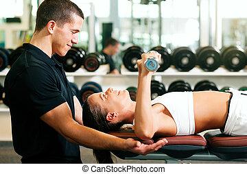 personlig tränare, in, gymnastiksal