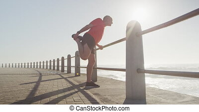 personne âgée homme, sien, jambes, promenade, étirage