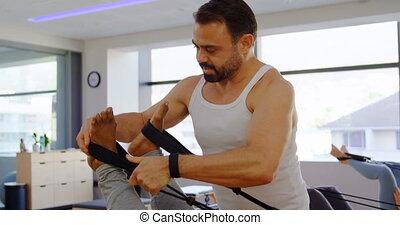 personne agee, aider, entraîneur, quoique, exercice,...
