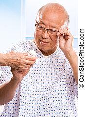 personne agee, asiatique, healthcare