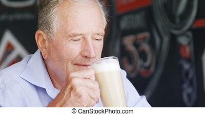 personne agee, avoir, café, milk-shake, homme, 4k