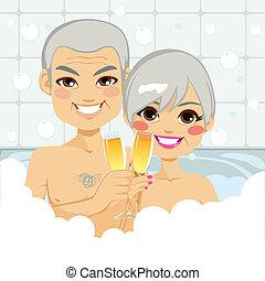 personne agee, bulle, couple, bain