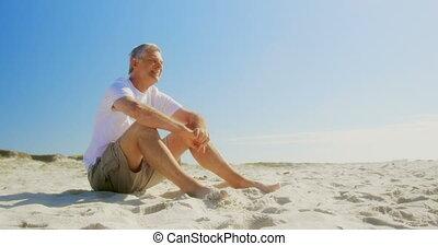 personne agee, côté, actif, vue, délassant, caucasien, homme, plage, 4k