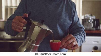 personne agee, café, maison, homme, boire