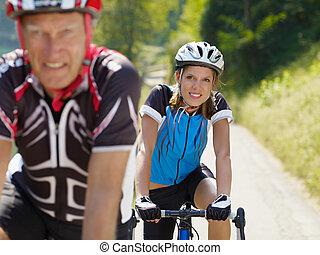 personne agee, cycliste