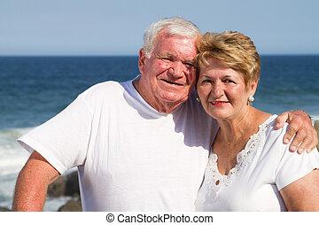 personne agee, dehors, couple, séduisant