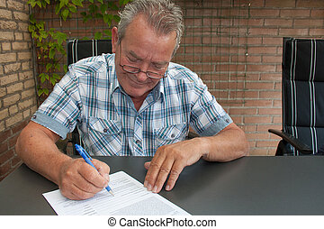 personne agee, document, signer