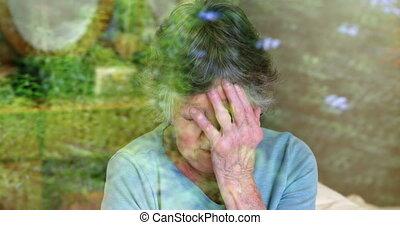 personne agee, fenêtre, par, inquiété, regarder, 4k, femme