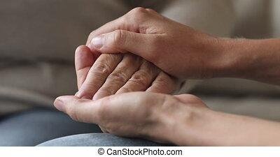 personne agee, grand-père, closeup, tenue, main femelle,...